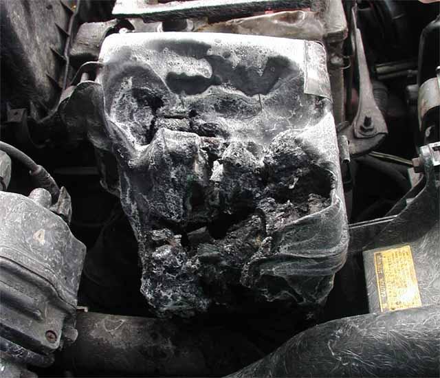 Toyota Carina E. Пожар