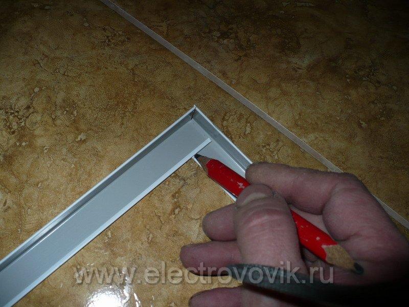 Как сделать углы на потолке из пвх